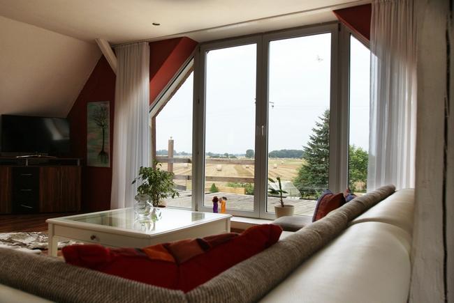 Wohnzimmer 2. Whg. Fenster